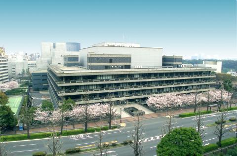 東京本館外観 目録ホール  国立国会図書館/東京の観光公式サイトGO TOK...