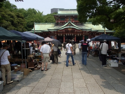 Antique Market (Tomioka Hachiman-gu Shrine) 01
