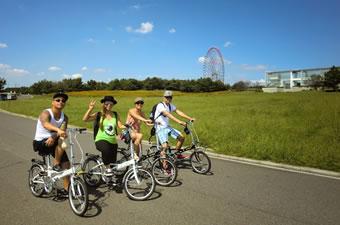 海沿いの公園でサイクリング ...